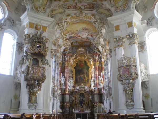 http://db-service.toubiz.de/var/plain_site/storage/images/orte/bad-bayersoien/wieskirche/wieskirche-altar-horst-prei/538008-1-ger-DE/Wieskirche-Altar-Horst-Prei_reference.jpg