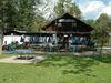 Gemütliche Camper-Klause beim Campingplatz am Flußfreibad in Bad Kötzting