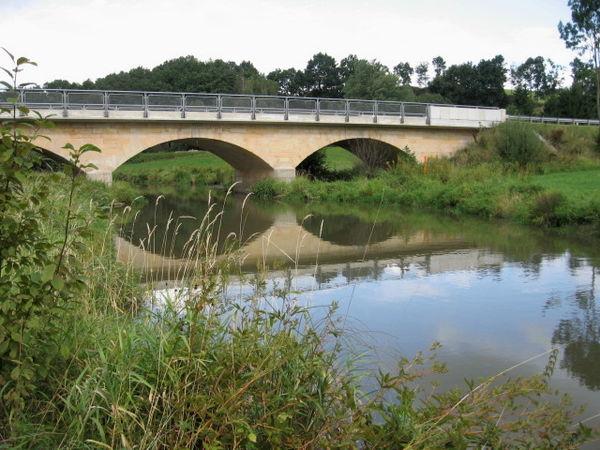 Steinbrücke über den Chamb bei Eschlkam