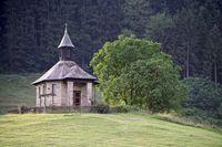 Ein Mahnmal und Gedächtnisstätte in Fischerbach aus dem Jahr 1949