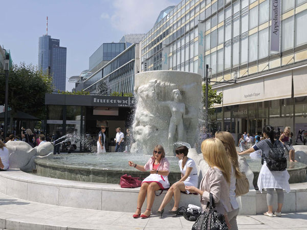 Unusual and individual frankfurt tourism for Quirky shopping sites