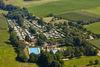 Luftbild Schwimmbad und Campingplatz