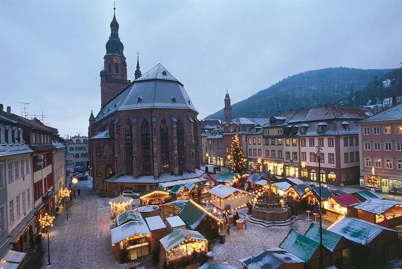 Heidelberger rathaus und marktplatz