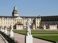 Schloss Karlsruhe mit Schlossgarten