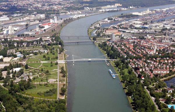 Luftbild Garten der zwei Ufer