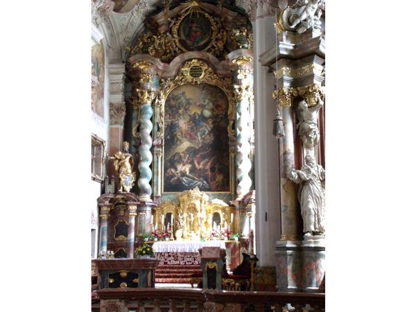 Hochaltar in der Klosterkirche Metten im Deggendorfer Land