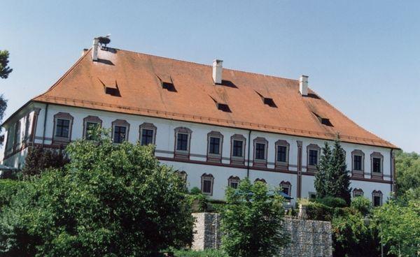 Blick auf Schloss Miltach im Naturpark Oberer Bayerischer Wald