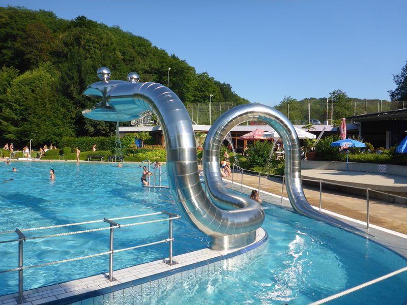 Piscine en plein air m llheim urlaubsland baden for Freiburg piscine
