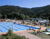 Badespa im Freibad Obernzell in den Donau-Perlen im Passauer Land