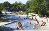 Kinderspaß im Plantschbecken im Passauer Erlebnisbad in der Dreiflüssestadt Passau