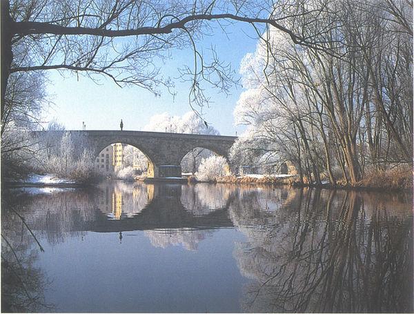 Steinerne Brücke im Winter