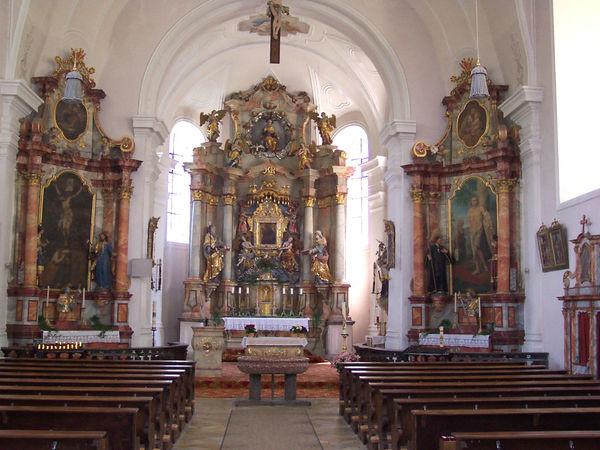 Prächtige Innenausstattung in der Wallfahrtskirche Heilbrünnl bei Roding im Land der Regenbogen