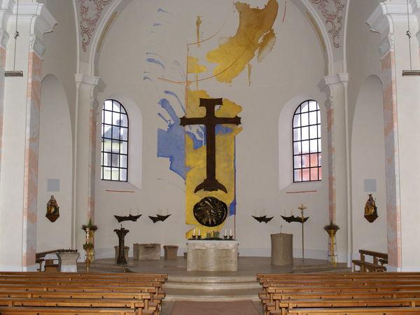 Innenraum der Pfarrkirche St. Michael in Röhrnbach im Bayerischen Wald