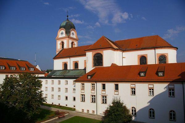 Nordtrakt des Klosters Rohr in Rohr i.NB.