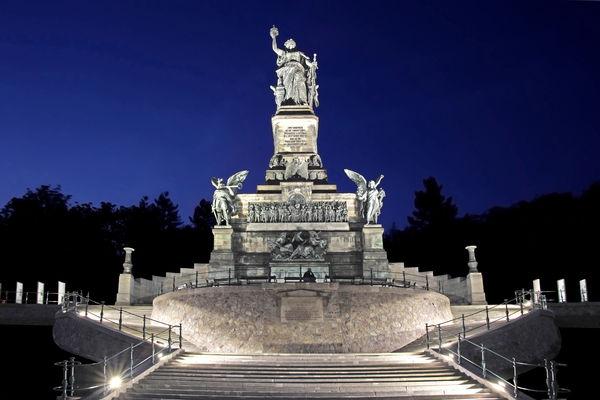 Niederwalddenkmal bei Nacht