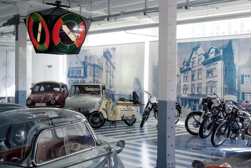 auto uhrenwelt erfinderzeiten auto und uhrenmuseum urlaubsland baden w rttemberg. Black Bedroom Furniture Sets. Home Design Ideas