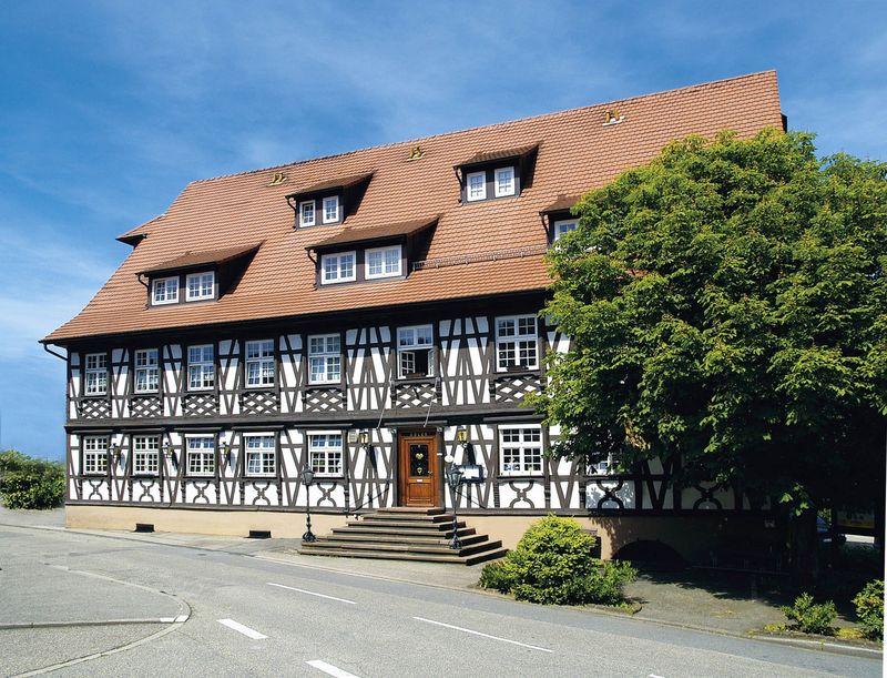 fachwerkhaus schwarzer adler urlaubsland baden w rttemberg. Black Bedroom Furniture Sets. Home Design Ideas