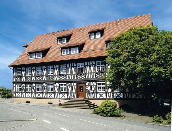 fachwerkhaus schwarzer adler schwarzwald tourismus gmbh. Black Bedroom Furniture Sets. Home Design Ideas