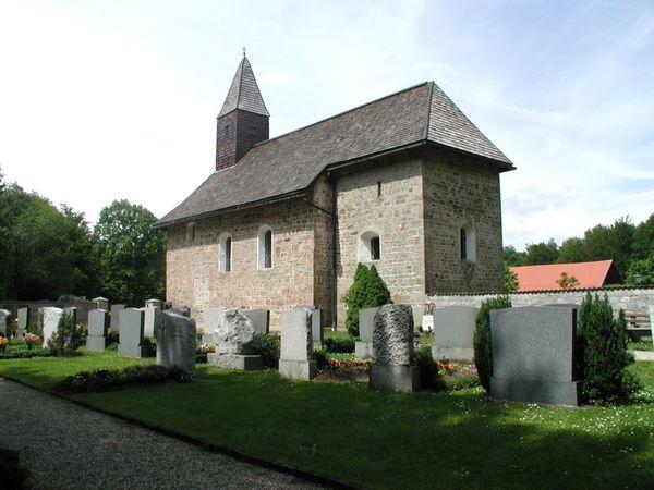Blick auf die Schartenkirche in Solla bei Thurmansbang im Bayerischen Wald