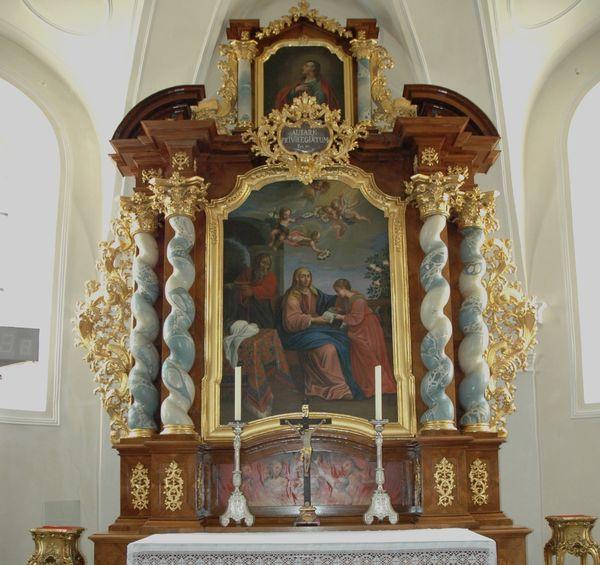 Blick auf den Altar in der St. Anna Kapelle in Viechtach
