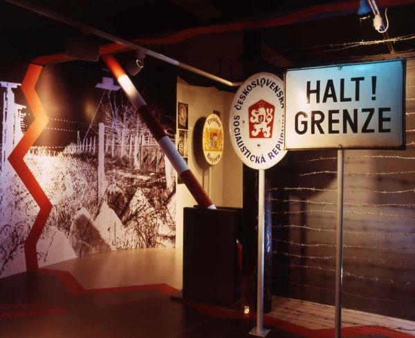 Nachbildung der Staatsgrenze zu Tschechien im Grenzland- und Trenckmuseum Waldmünchen
