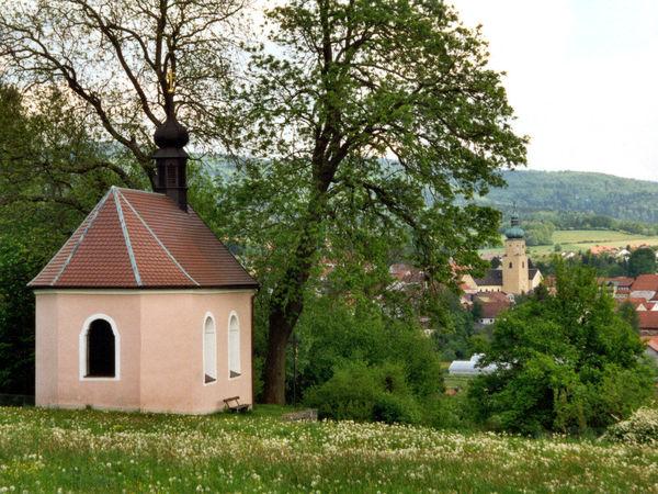 Blick von der Ölbergkapelle auf den Luftkurort Waldmünchen