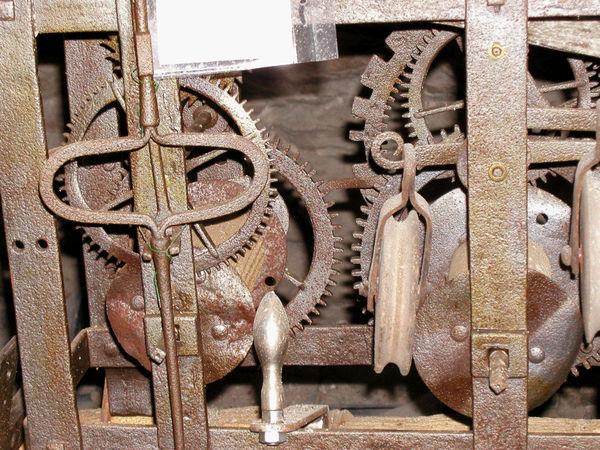 Historisches Uhrwerk im Stadtturm von Waldmünchen