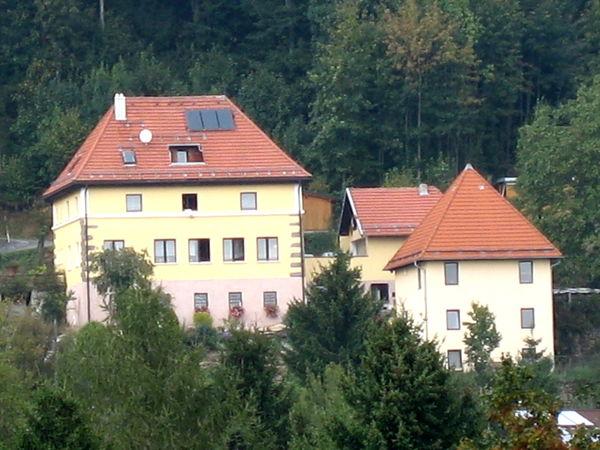 Blick auf das Heimatmuseum Daxstein in der Region Sonnenwald im Bayerischen Wald