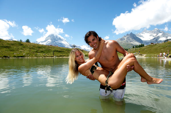 Zermatt's popular swimming lake, the Leisee: a stone's throw from the Sunnegga summit station.