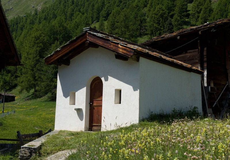 The inconspicuous prayer house lies on the old mule trail from Zermatt over the Theodul Pass.