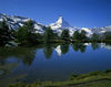 The perfect photo subject: the Grindjisee with the Matterhorn and the mountain's reflection.