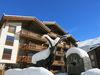 Das Themenhotel Matterhorn Lodge wurde 2012 eröffnet. Dessen Besitzer Harry Lauber liess den Steinbockbrunnen errichten.