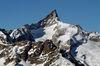 Markant und charakteristisch: der schiefe Gipfel des Zinalrothorns.
