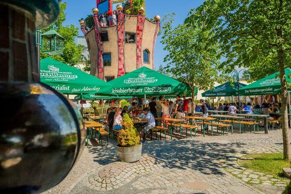Biergarten am Kuchlbauer Turm in Abensberg