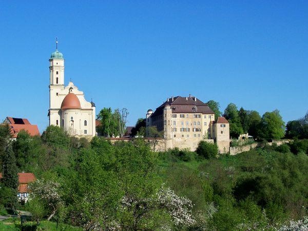 Abtsgmünd_Schloss Hohenstadt mit Kirche