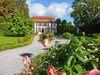 Das Lustschloss im barocken Heckengarten von Schloss Hohenstadt