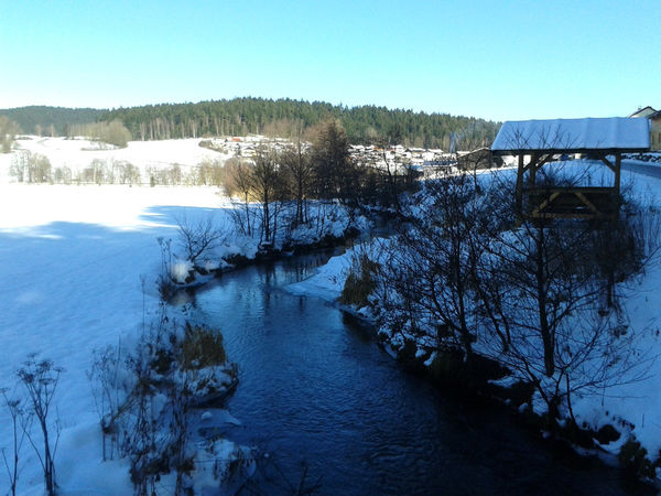 Der Fluss Teisnach bei der Ortschaft Achslach im ArberLand Bayerischer Wald