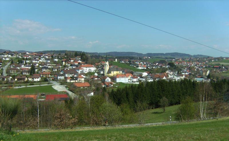 Blick auf Aicha vorm Wald im Bayerischen Wald