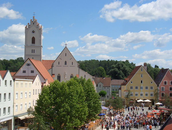 Blick auf die Ortsmitte von Aidenbach
