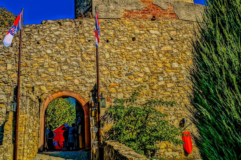 Eingangsportal zur Burgruine