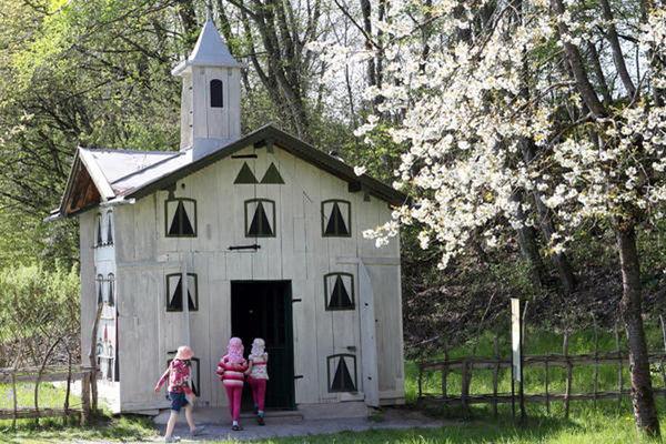 Das Bienenhaus ist Teil des Ameranger Bauernhausmuseum.