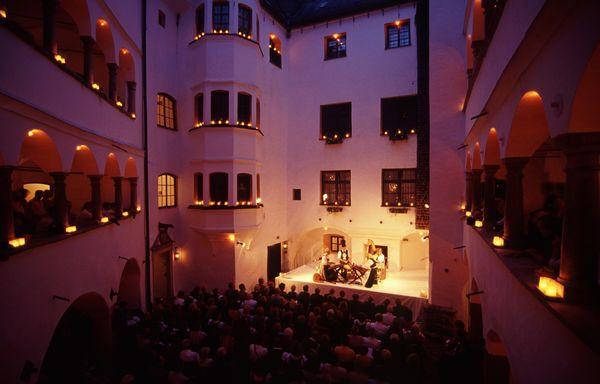 Theater im Schloss Amerang.