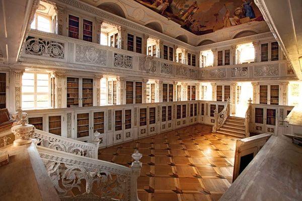Bibliothek Abtei Amorbach