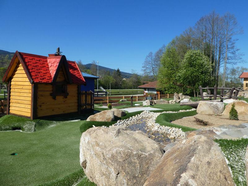Erlebnis Minigolf im Seepark Arrach