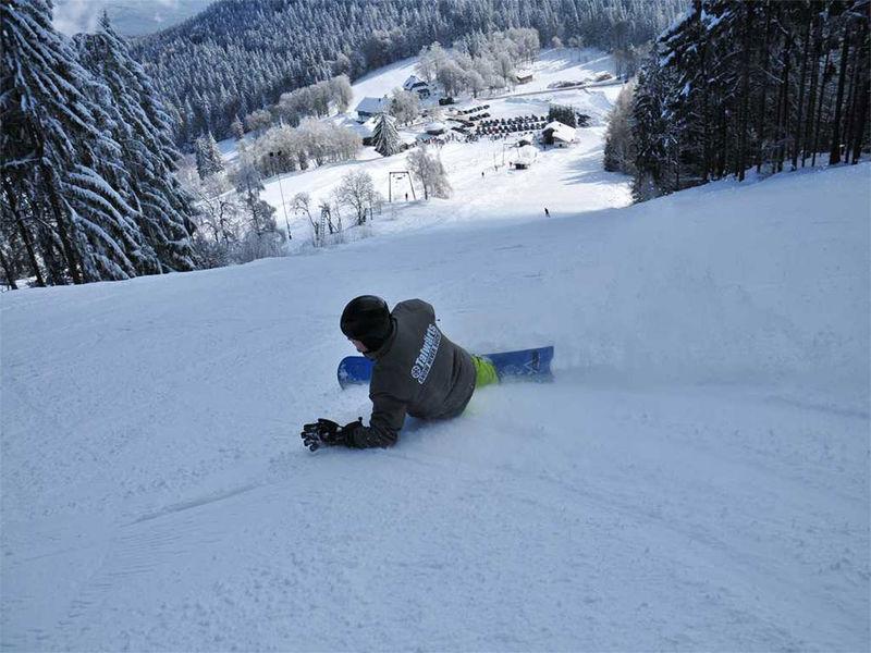 Snowboarden im Skigebiet Eck