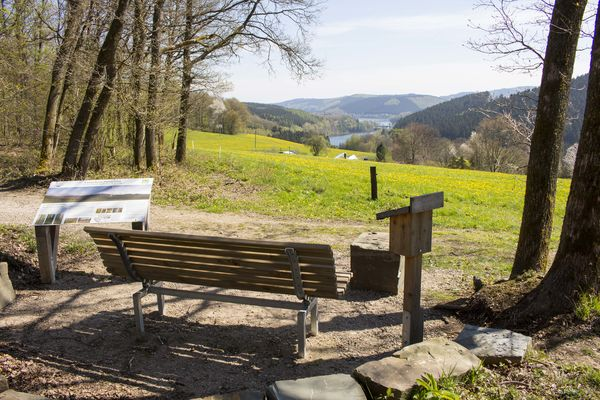 aussichtspunkt biggeblick am bigge lister wanderweg sauerland. Black Bedroom Furniture Sets. Home Design Ideas
