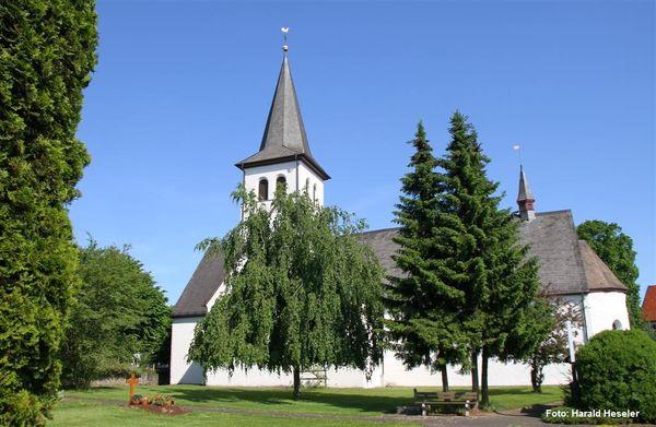 Die Kirche St. Martin in Dünschede
