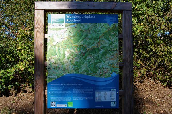 Viel Wissenswertes bietet die Infotafel für den Wanderer