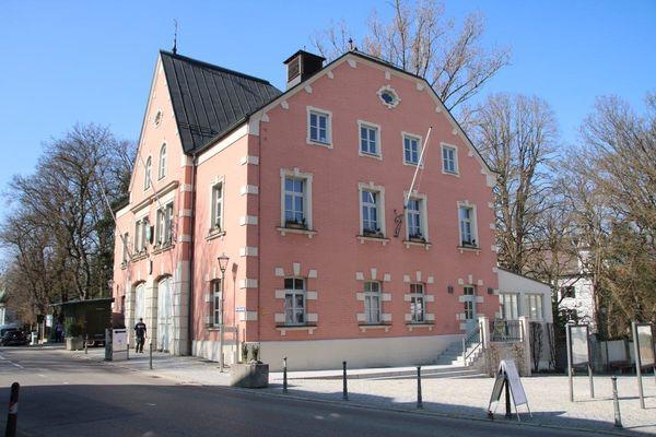 Rathaus des Marktes Au in der Hallertau