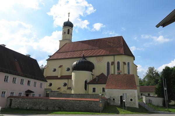 Ehemalige Wallfahrtskirche St. Leonhard am Buchat